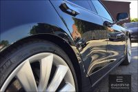Tesla Model S in der Sonne