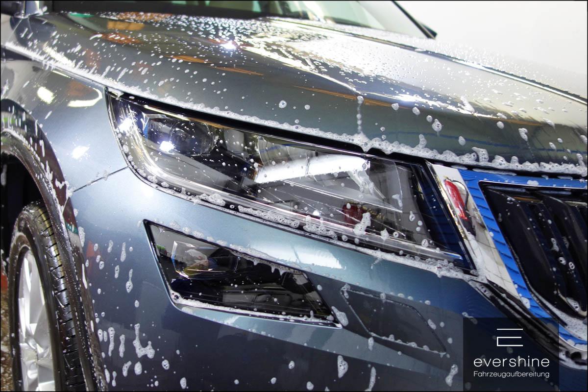 eingeschäumtes Auto